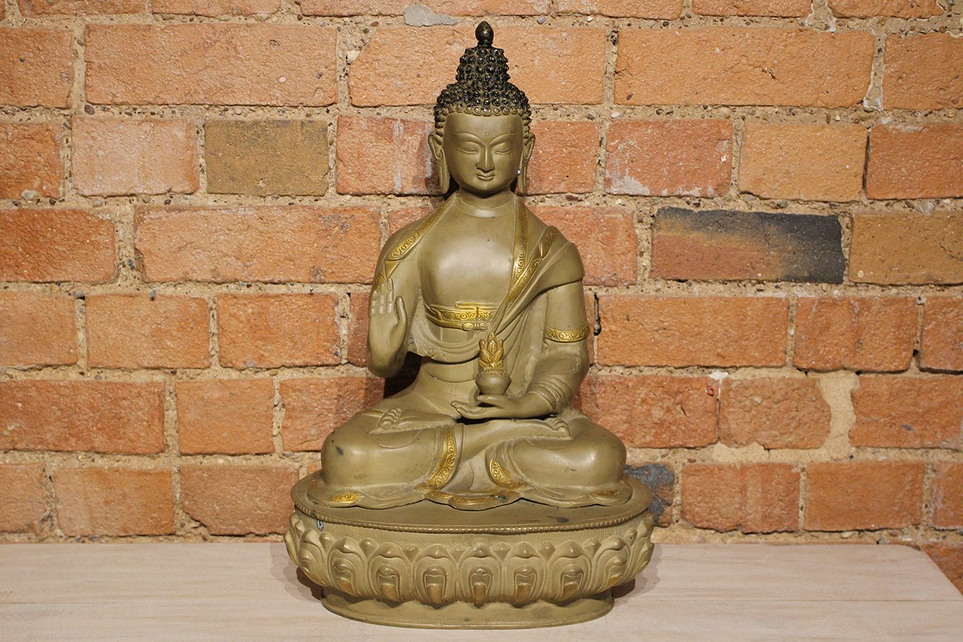 HC00528 Antique Gold Buddha