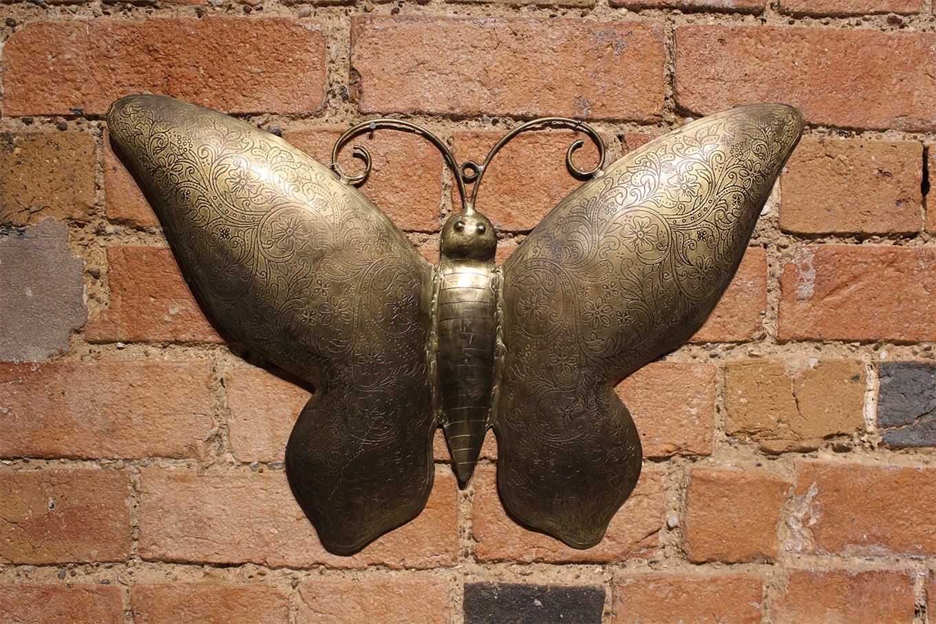 HC00562B Gold Butterfly Wall Hanging