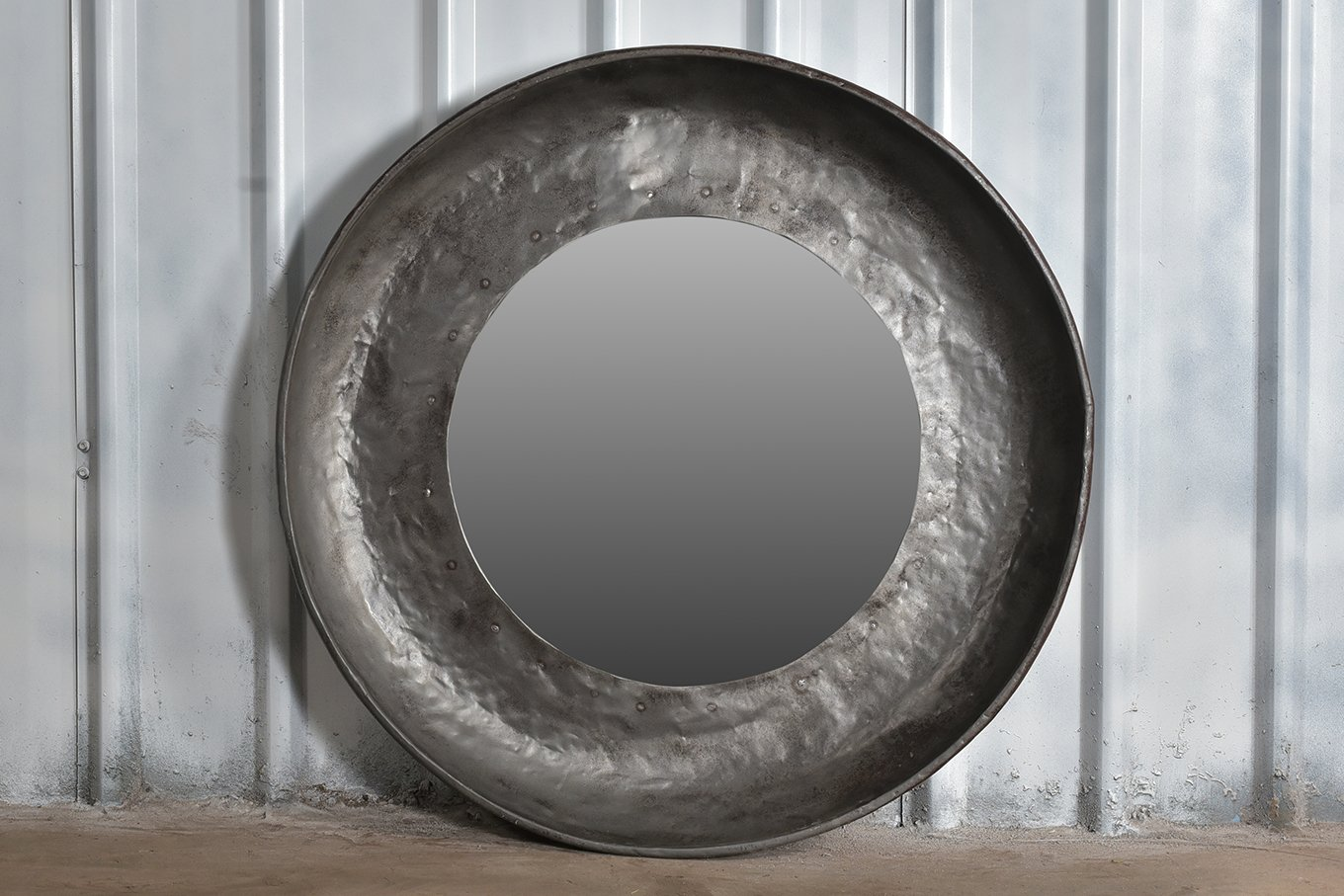 MR00141B HELSINKI Round Iron Mirror - Large
