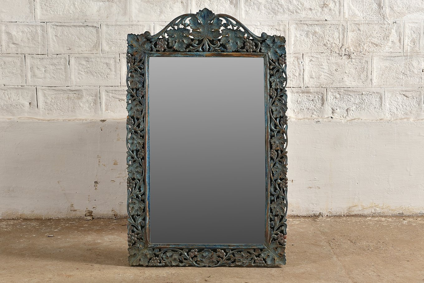 MR00146 HAMESHA Carved Floral Mirror