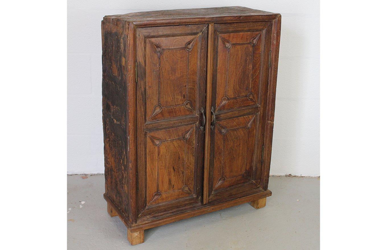 SC00295 HAMESHA Old Cabinet