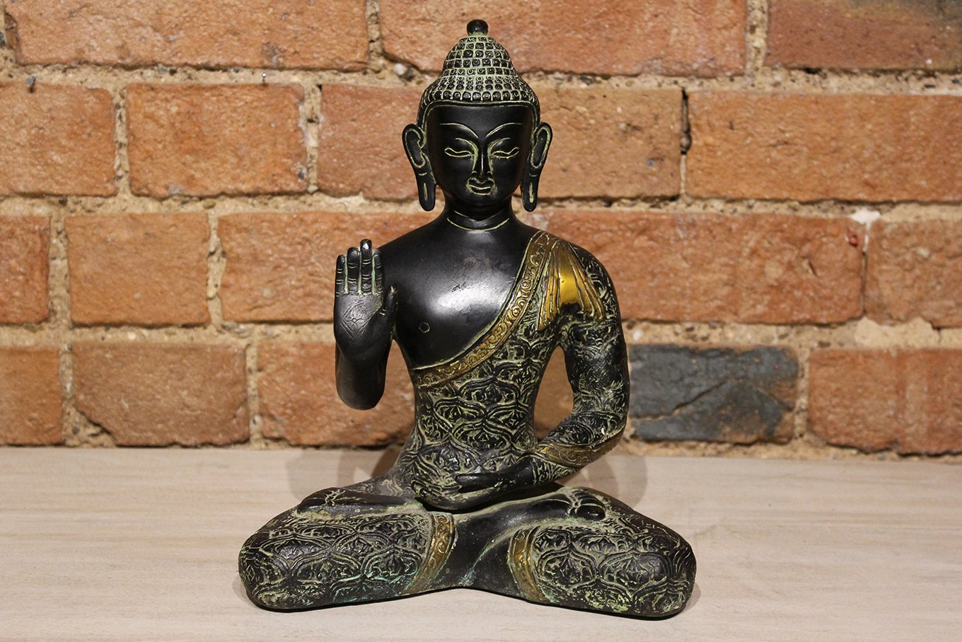 ST00015 Black Seated Buddha