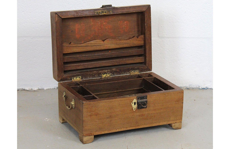 TC00120 HAMESHA Wooden Box