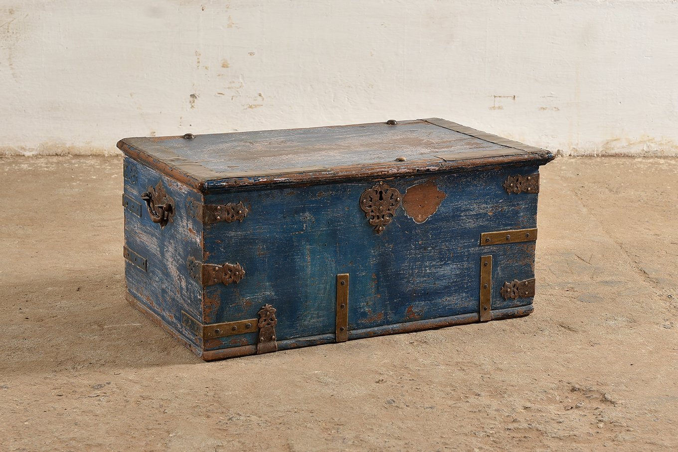 TC00129 HAMESHA Blue Treasure Chest