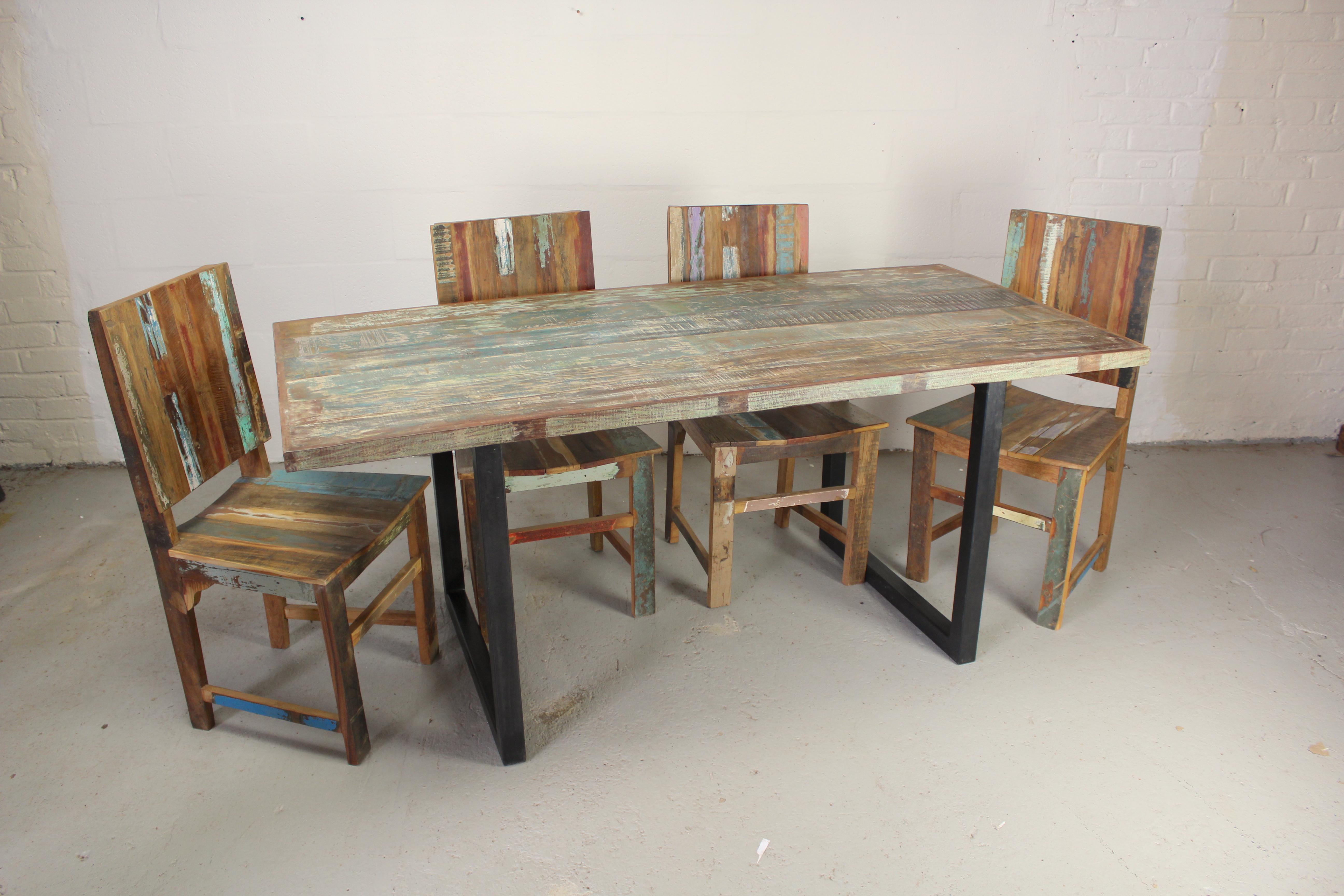 TS00120 Helsinki Dining Table