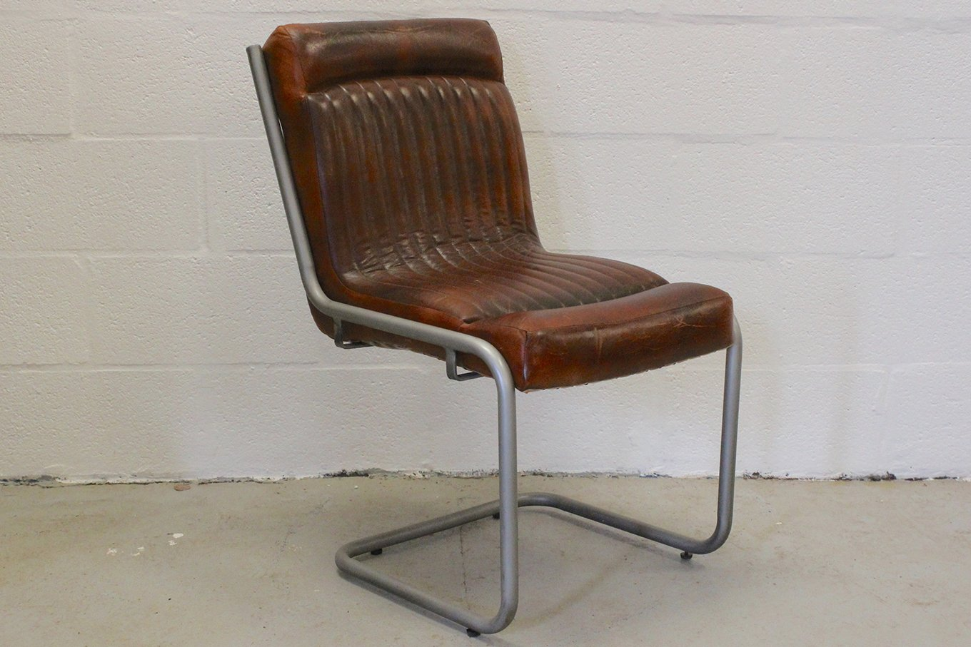 TS00129 MANHATTAN Leather Chair
